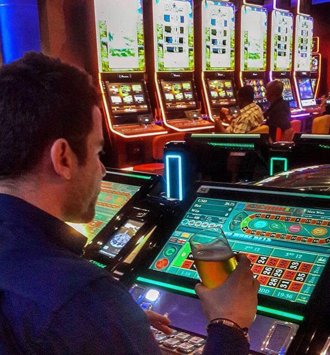 آیا در بازی رولت میتوان ماهیانه 100 میلیون تومان درآمد کسب کرد ؟