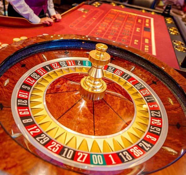 آشنایی با بیمه بلک جک تا ۲۵۰ میلیون تومان + جدول احتمالات برد در بازی بلک جک