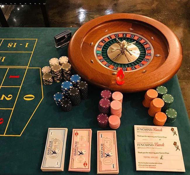 تفاوت و استراتژی بازی بلک جک و پوکر | کدام بازی پولساز تر میباشد ؟