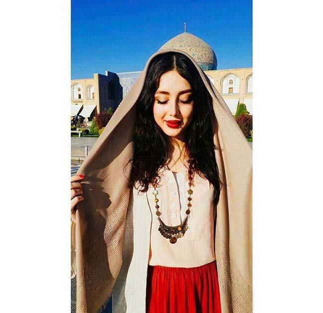 بیوگرافی مینا حیدری اینفلوئنسر و مدلینگ جذاب ایرانی (+تصاویر)