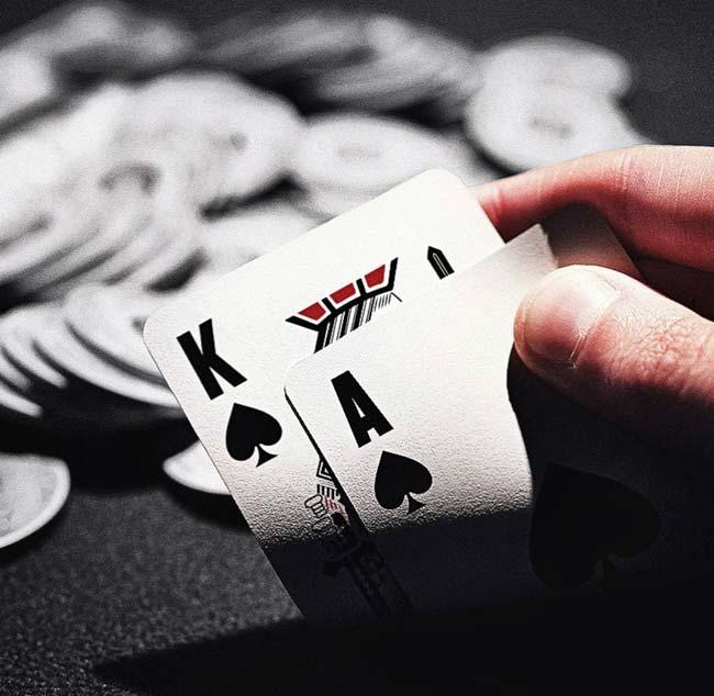 آموزش مدیریت سرمایه در بازی پوکر تضمین درآمد 150 میلیونی با سود دلاری