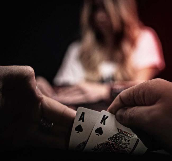 چرا بازی پوکر مهم و پولساز است ؟ | تجربیات پرسود از سودهای میلیاردی بازی پوکر