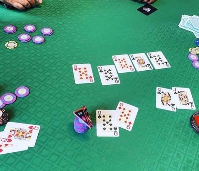 از تفاوت بین پوکر زنده و آنلاین تا سود ۱۰۰ میلیونی تضمینی در بازی پوکر