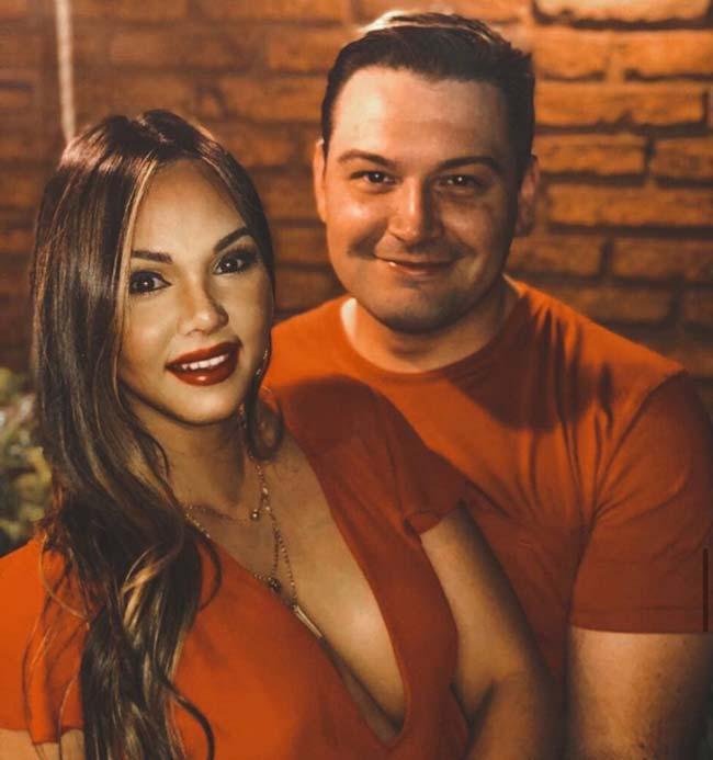 آشنایی با زوجی که به صورت اینترنتی ازدواج کردند (+عکس)